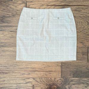 Size 8 Banana Republic Gray Plaid Skirt